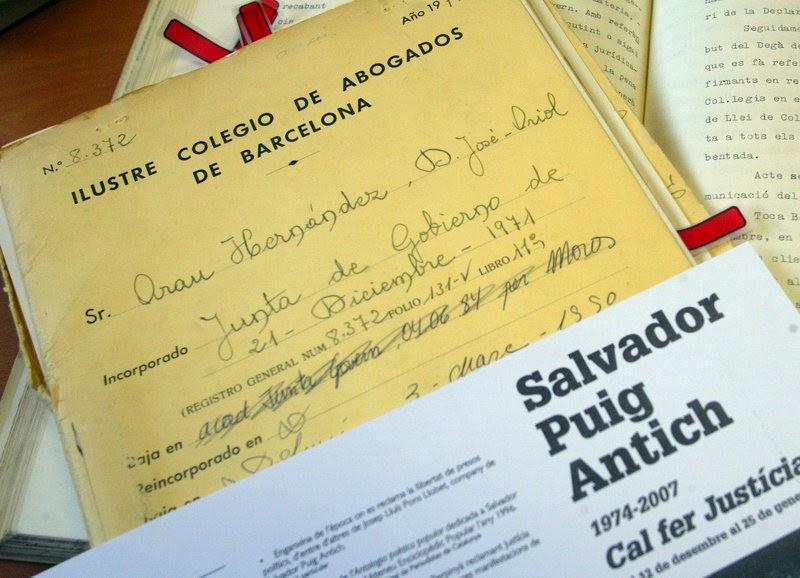 http://www.elpuntavui.cat/noticia/article/5-cultura/19-cultura/800805-el-cas-puig-antich-continua-obert.html?cca=1