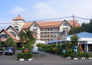 Hotel Santika Cirebon 1