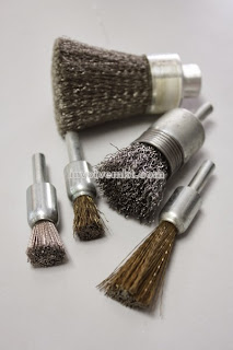 end brush, wire brush, stem mounted brush