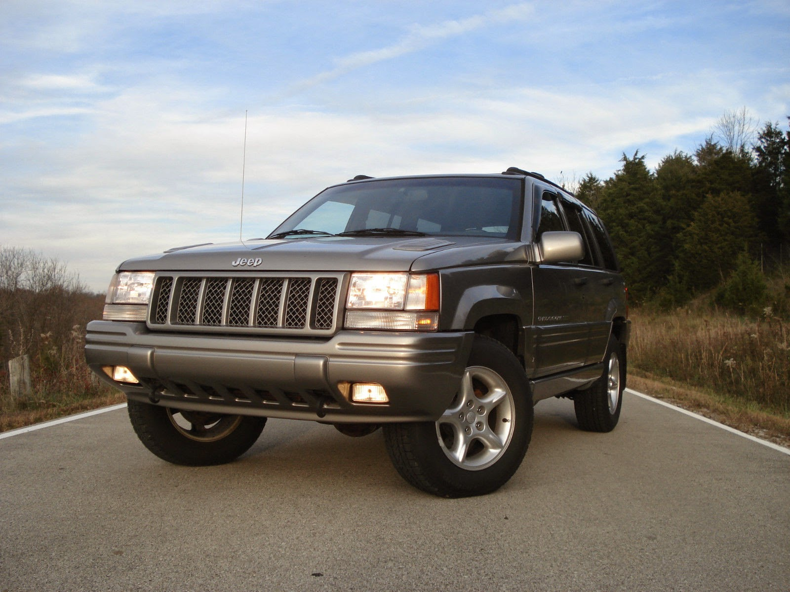 daily turismo 5k hidden performance 1998 jeep grand cherokee 5 9 limited. Black Bedroom Furniture Sets. Home Design Ideas