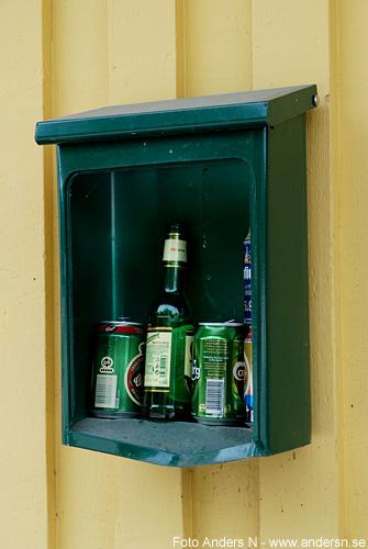 flaskpost, burkpost, postlåda, burk, burkar, flaska, foto anders n