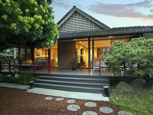 Golden dreamland interior design inspiration a santa for Santa barbara beach house