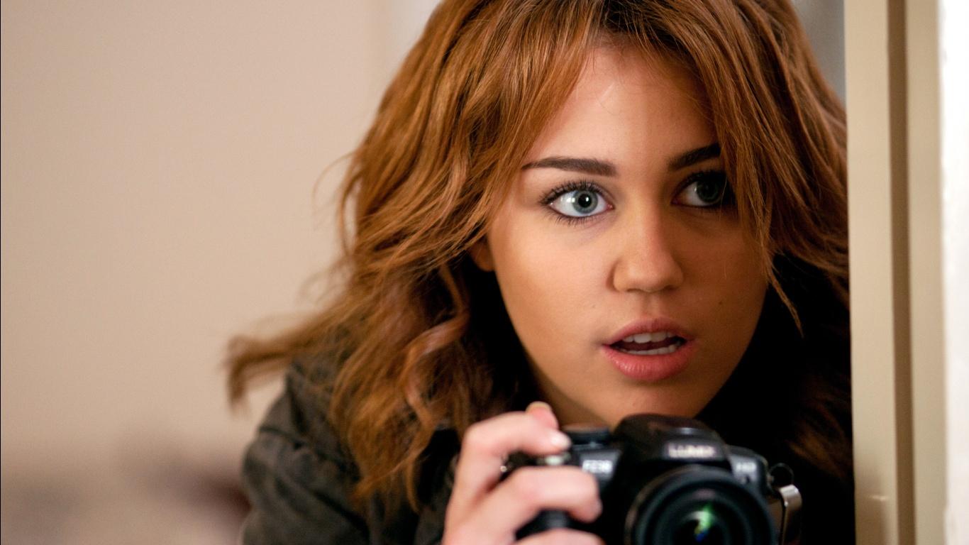 http://4.bp.blogspot.com/-ILHuJzS-EaI/ULMmEArA7_I/AAAAAAAANg4/VLQu8v9quJs/s1600/Miley+Cyrus+-+Wallpaper+HD.jpg