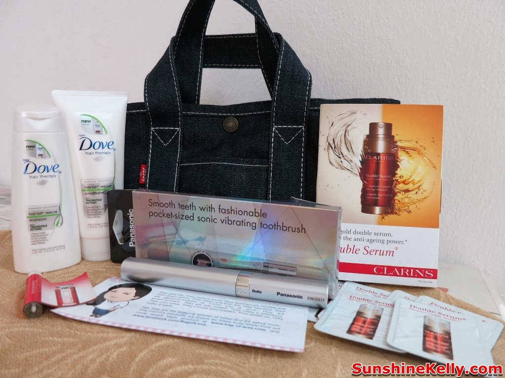 bag of love, Go Girl Go by Bag of Love Levi's, beauty bag, beauty, Levi's Jeans tote bag, levi's jeans, Panasonic Pocket Doltz Toothbrush, Clarins Double Serum, Elizabeth Arden Red Door Aura edt, Dove  Hair Therapy Hair Fall Rescue Shampoo, Dove Hair Therapy Hair Fall Rescue Conditioner, haircare, electric toothbrush