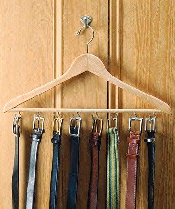 Ordenar los cinturones en el armario