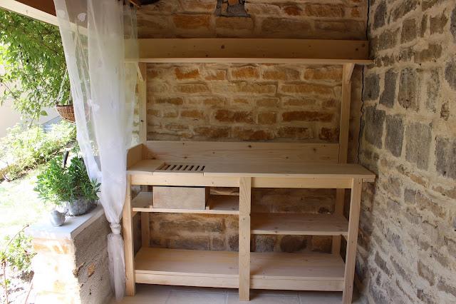 notre jardin secret table rempotage. Black Bedroom Furniture Sets. Home Design Ideas