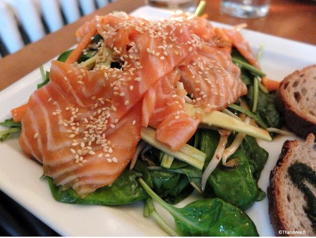 salade thaï saumon mariné pousses d'épinards soja coriandre courgette, Resto Les Bonnes Soeurs Paris 9ème avenue Trudaine Pudhlo Routard
