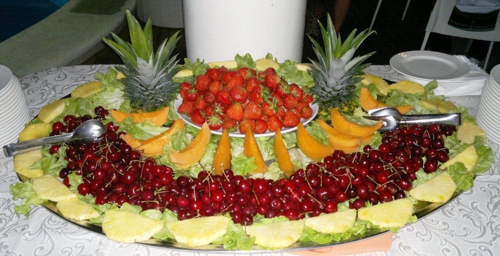 Buffet Di Dolci E Frutta : Torta nunziale e buffet di dolci e frutta foto di ristoro la