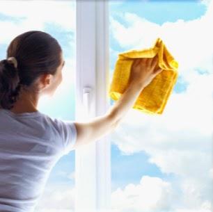 Jak myć okna ściągaczką