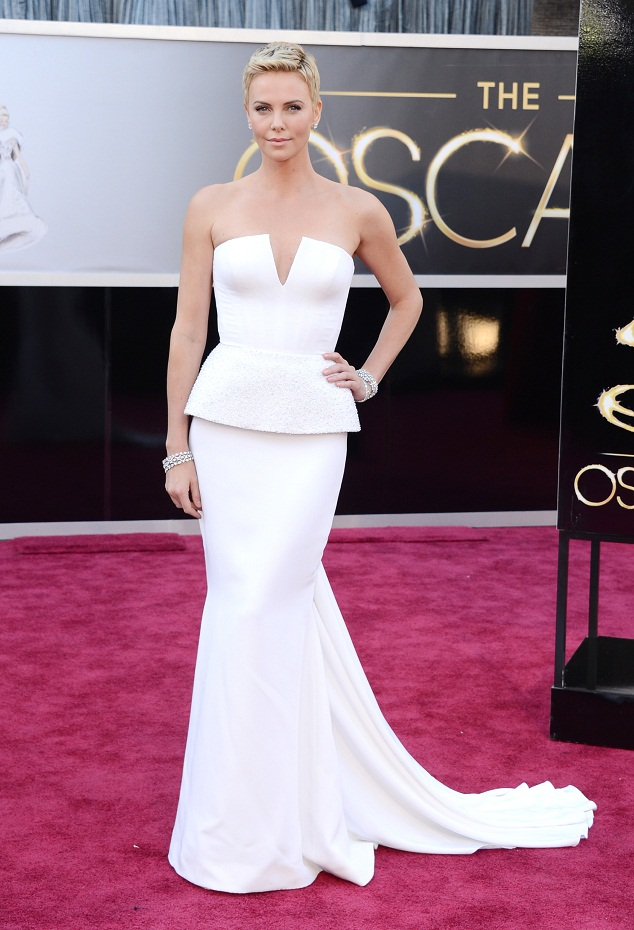 Charlize Theron - Celebrity Fashion at the 2013 Oscars