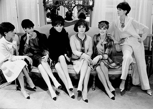 Sepatu  Chanel Wanita The Two Tone