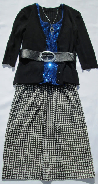 blog.oanasinga.com-personal-style-photos-blue-sequins-and-black-white-houndstooth-pattern-outfit-2
