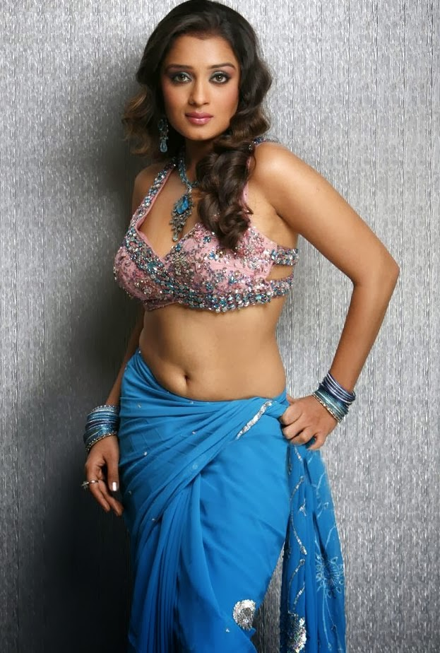 thamanna,thamanna hot,most sexy heroins,sexy thamanna,thamanna pictures,sexy thamanna photos,very hot heroins picture