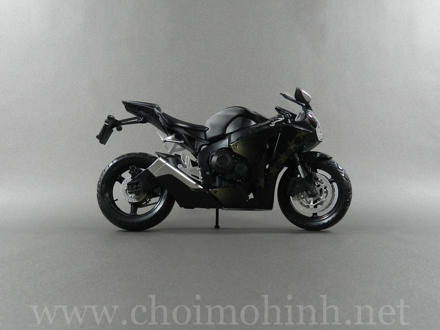 Honda CBR 1000 RR 1:12 Joycity right