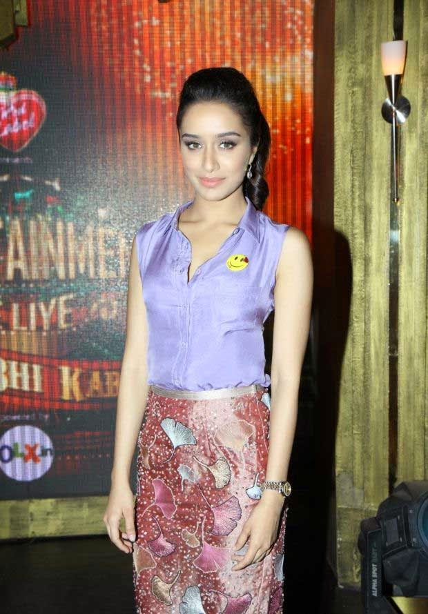 Shraddha Kapoor in Pencil Skirt