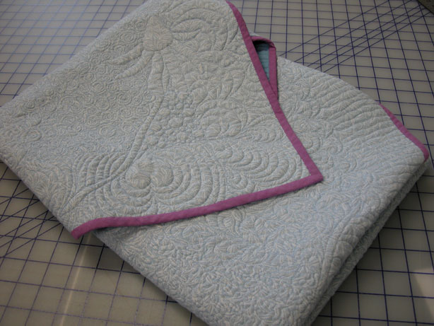 Ann Fahl's Color and Quilts: How to Fold and Store Quilts! : one color quilts - Adamdwight.com