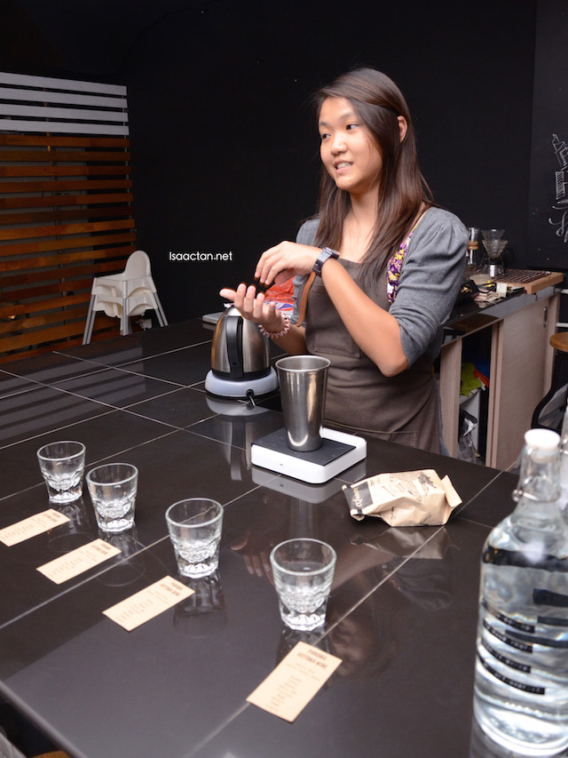 The pretty lady from Thirdwave showing us how coffee is brewed. and enjoyed