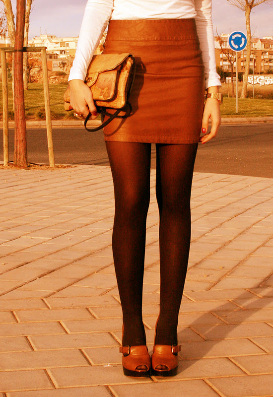 Leather skirt- falda de cuero
