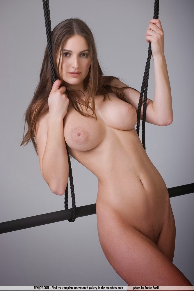 virgen girl naked image
