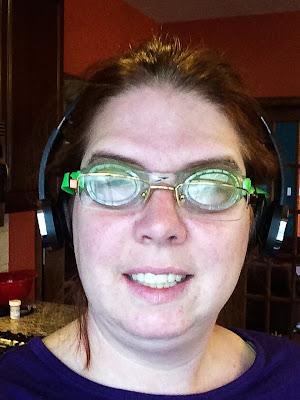 swim goggles for onion cutting