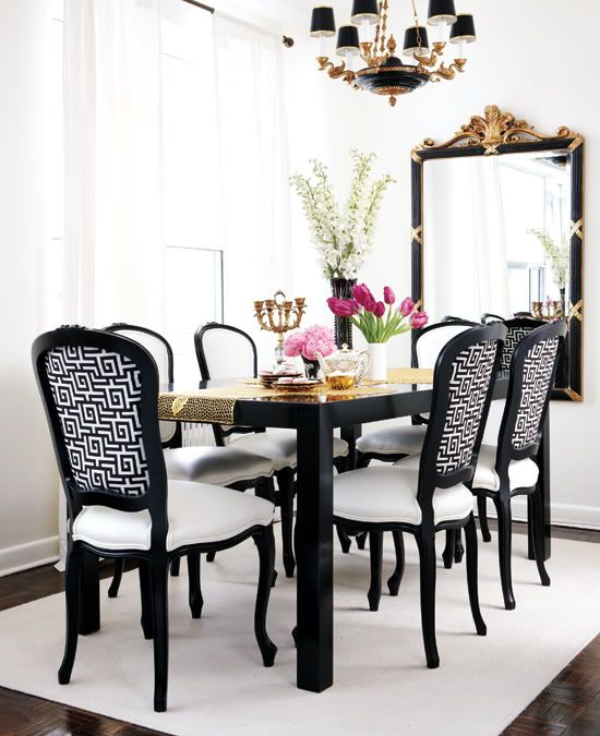 A touch of Luxe: Beautiful dining room in black, white and gold