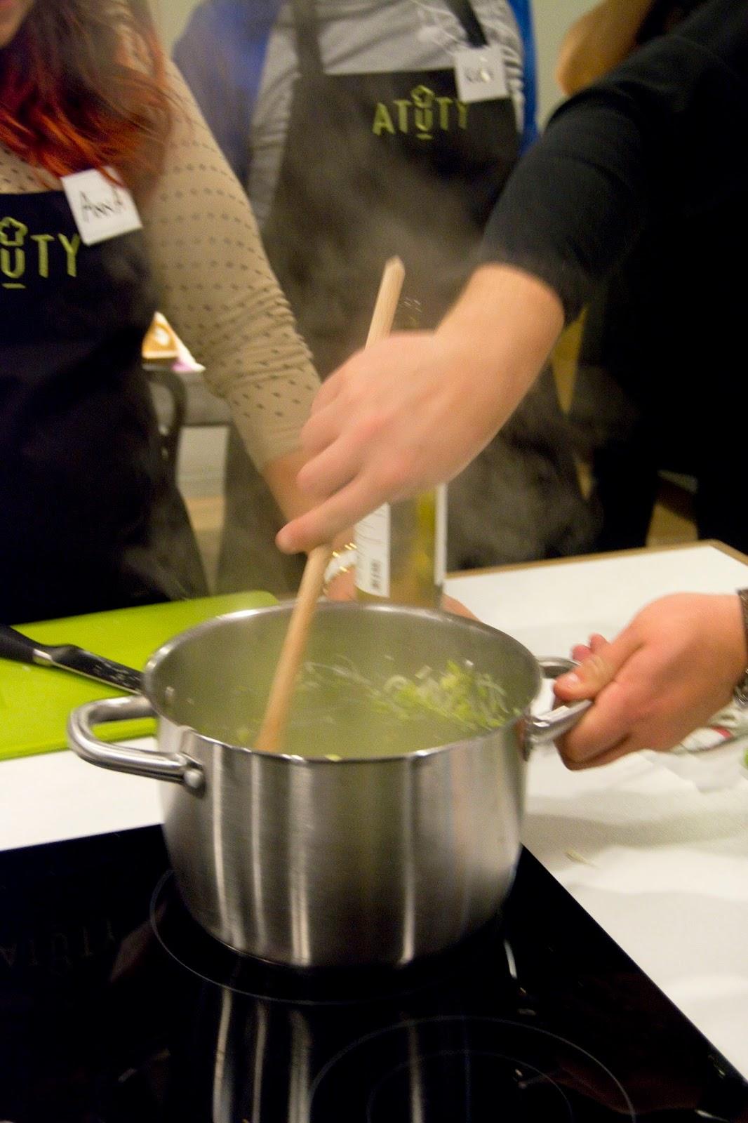 Atuty - krótki kurs kuchni francuskiej - fondue z pora z białym winem