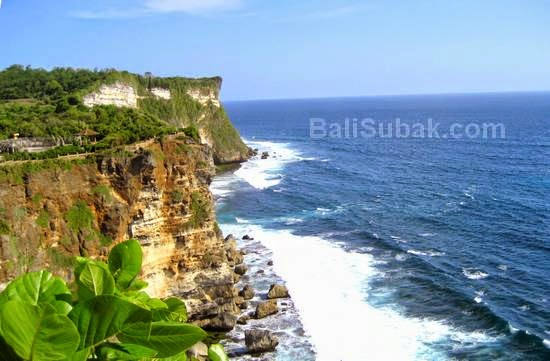 Attraction in Bali, Uluwatu beach