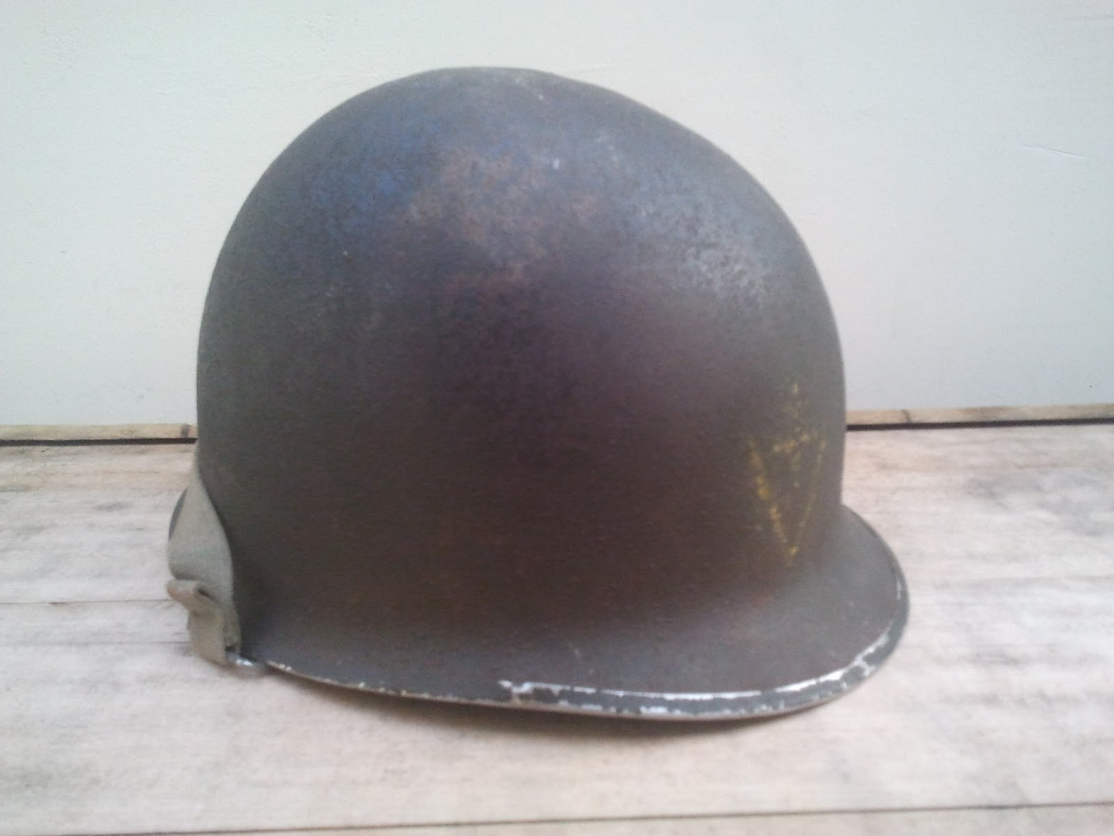 Souvenez vous 44 casque usm1 avec insigne 2edb casque usm1 dorigine amricaine de la deuxime guerre mondiale avec insigne du 13e gnie de la 2e db altavistaventures Choice Image