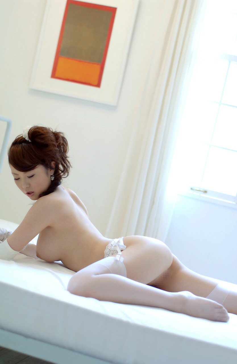 www.celebtiger.blogspot.com Busty Asian Rio nude 14 Busty Asian Babe Rio Hamasaki Going Nude In Bride Lingerie HQ Photos
