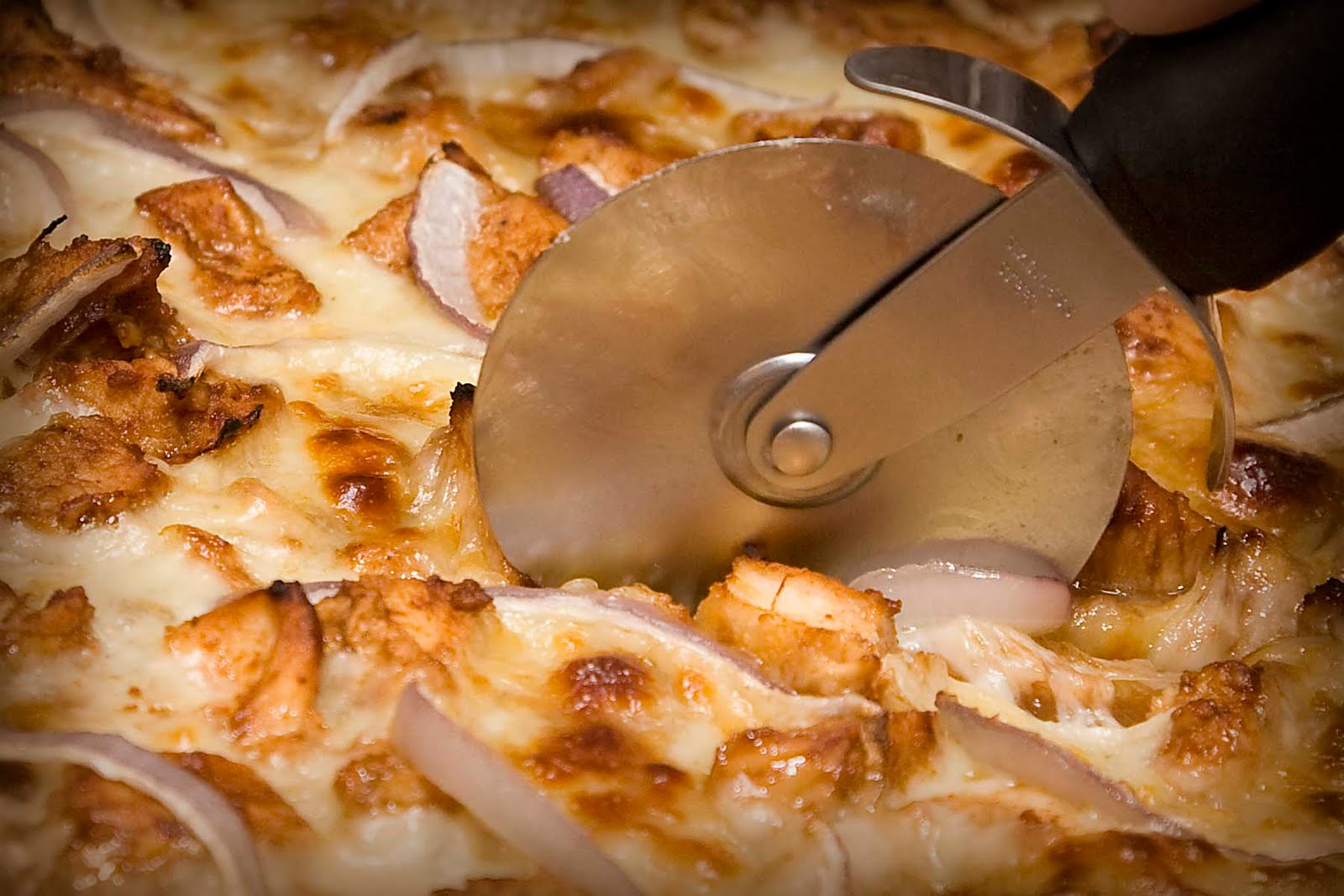 oh-damage: CPK BBQ Chicken Pizza ala The Pioneer Woman
