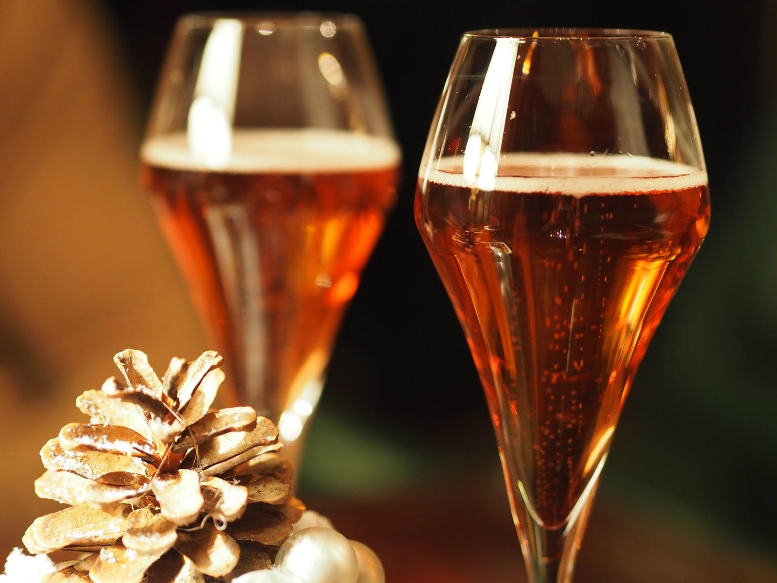 Pink champagne, christmas