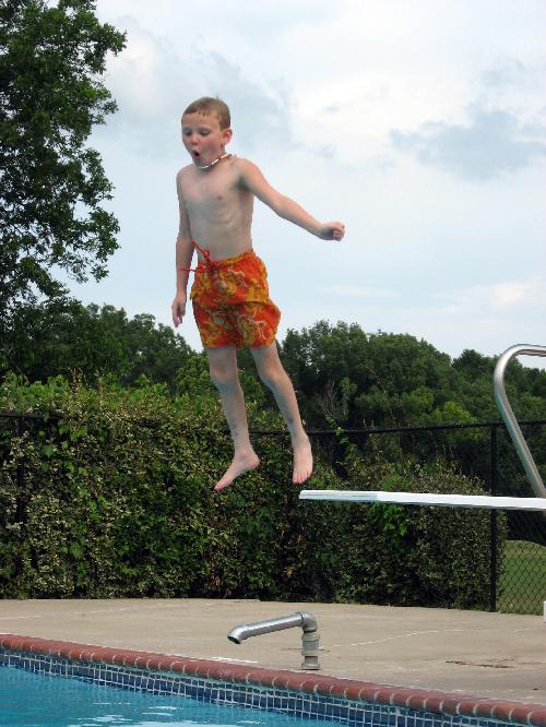 Bricolaje del agua trampol n para piscina y al agua for Trampolin para piscina