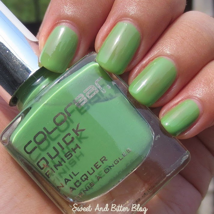 Colorbar Leaf Me Alone Quick Finish Nail Lacquer Review Swatch