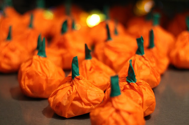 pinterest inspired pumpkin sweet giveaways - Halloween Crafts