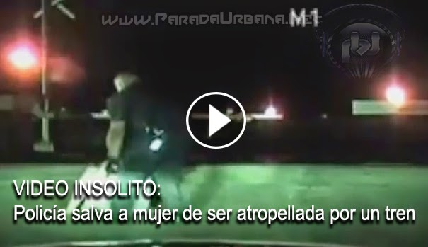 VIDEO ASOMBROSO - Salva policía a una mujer de ser atropellada por un tren