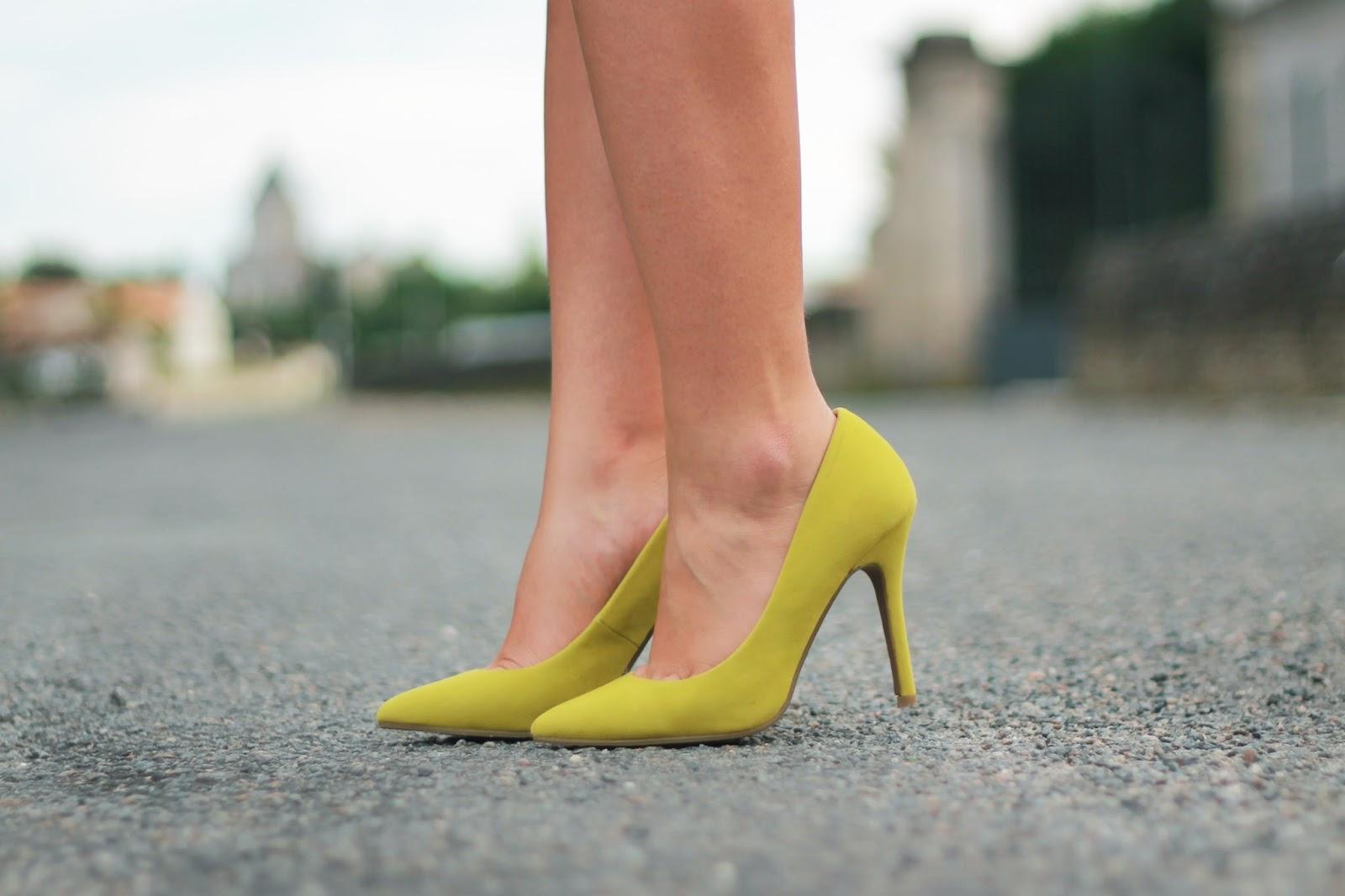 escarpins jaune