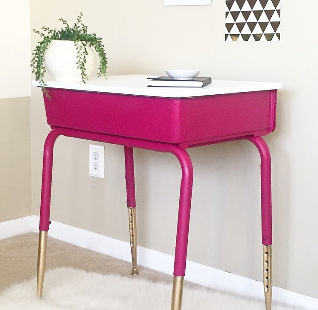 #thriftscorethursday Week 85 | Instagram user: alayadonetta shows off this Vintage Desk Makeover