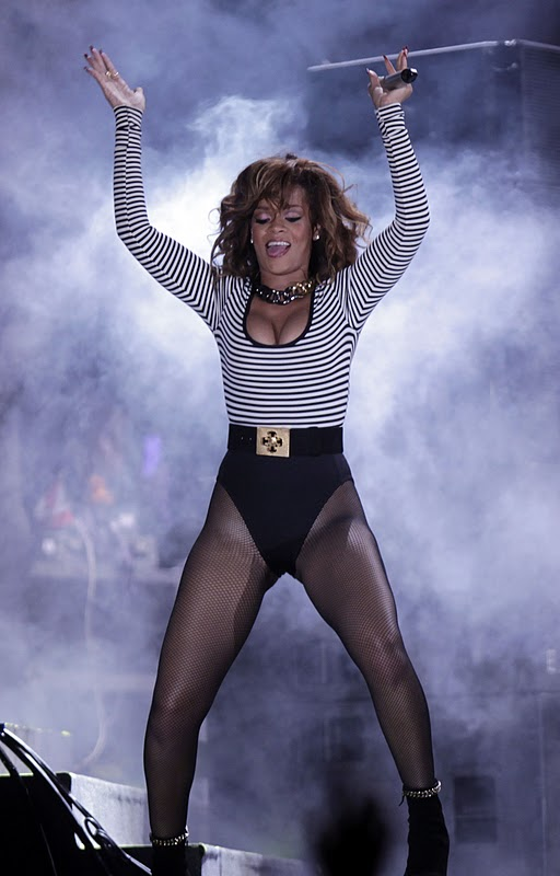 Rihanna - Perform at Her Loud Tour in Brazil