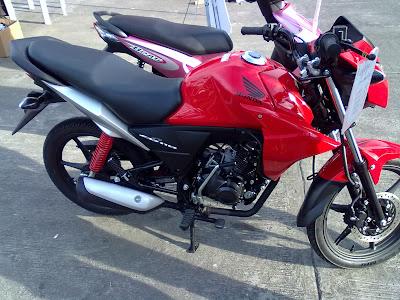 Crazylawrenz  Honda CB110 vs Kawasaki Rouser 135