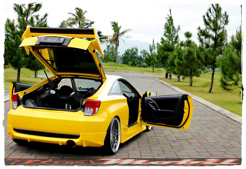 Mobil Modifikasi - Toyota Celica : Yellow Racing Look title=