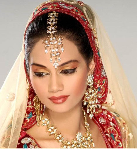 pakistani wedding makeup. Pakistani Bridal Dresses and