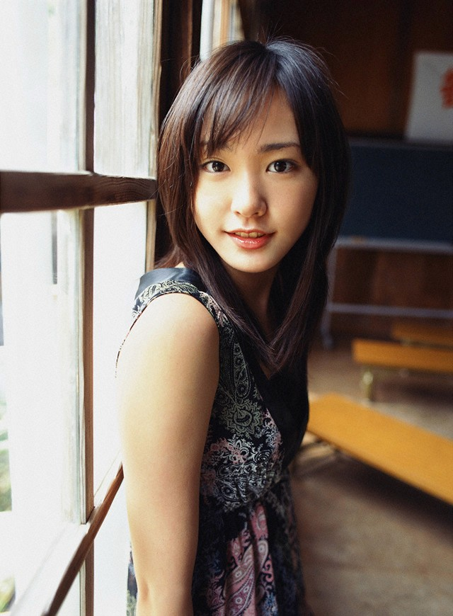 Yui Aragaki Nude Photos 38