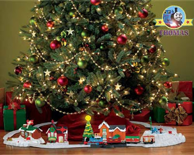Lovely merry snow-covered Christmas tree decoration from Thomas and train friends TrackMaster sets