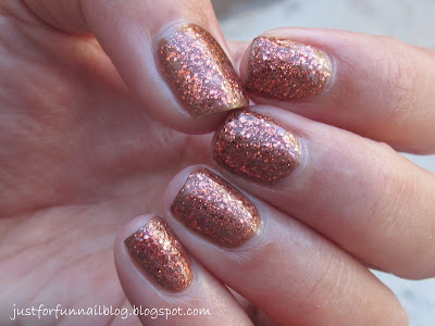 31DC2013 Day 8 - Metallic Nails: Copper Penny - Sally Hansen