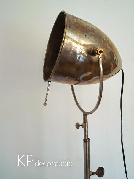 Lámparas de época, Lámpara de pie antigua estilo vintage, industrial.