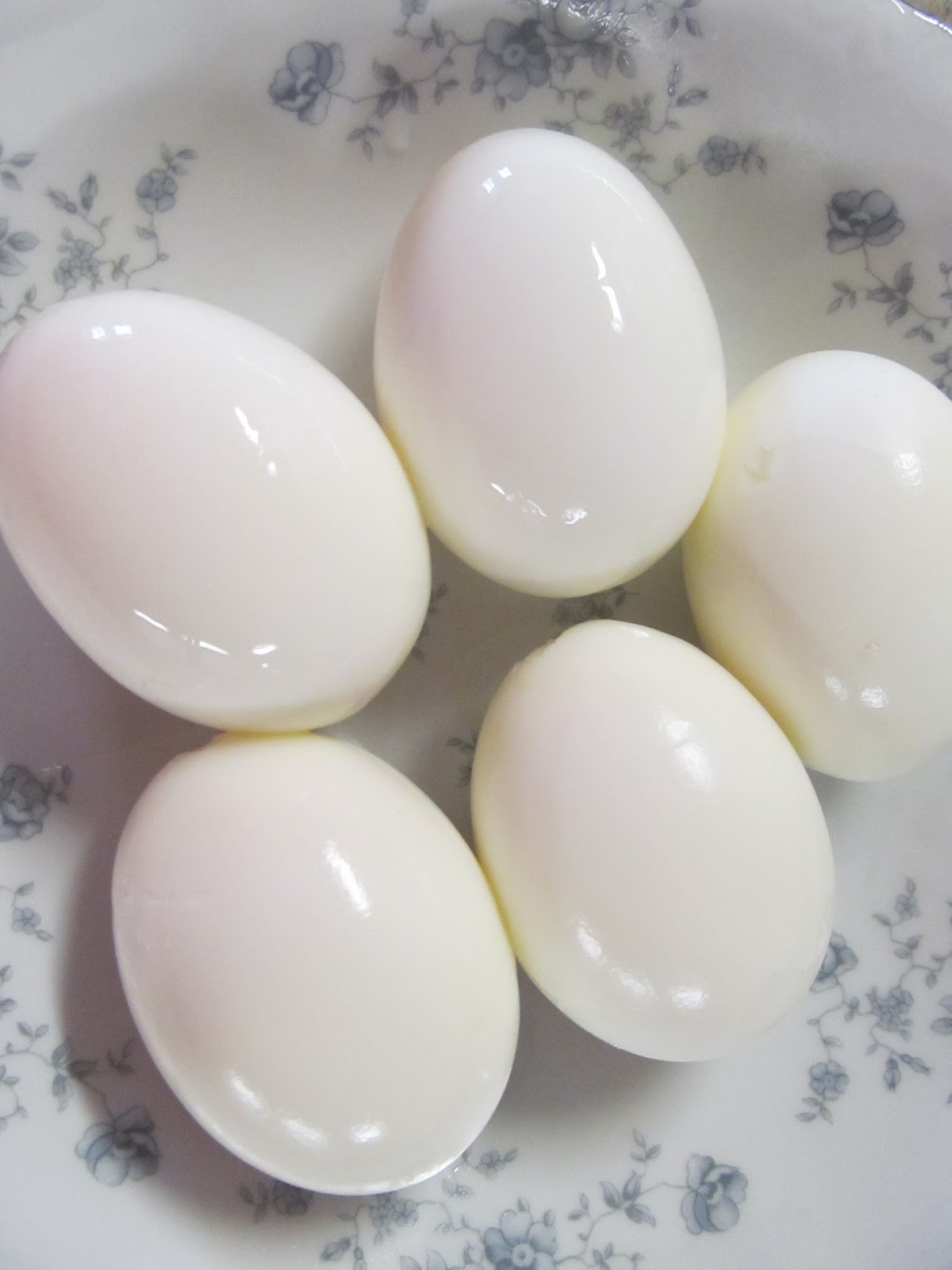 LL Farm: Hard Boiled Eggs (Mom's Tried and True Way)