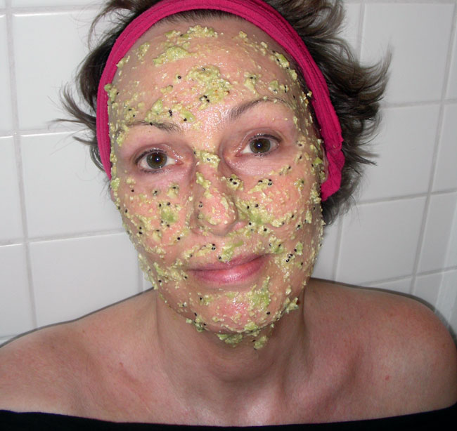 Fresh kiwi oat moisturizing and toning mask then apply the mask to your face and neck as evenly as possible this is not as easy as applying a clay mask as this mixture is both softer and lumpier solutioingenieria Images