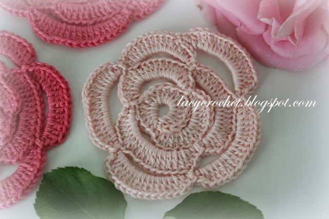 Crochet Rose Pattern : Lacy Crochet: Crochet Rose Tutorial