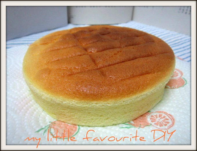 This is a 6inches baked light cheesecake or cotton light cheesecake~