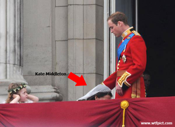 Double meaning photo in Prince William royal wedding, captured at right angle